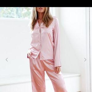 Lounge underwear/lounge apparel pajamas
